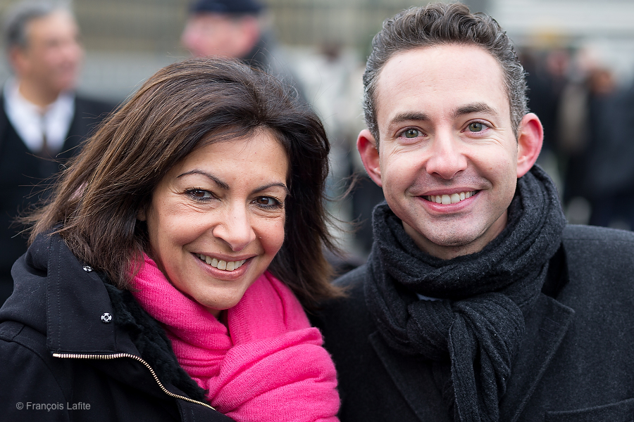 ©Francois Lafite/Wostok Press France, Paris 23/11/2013 Anne HIDALGO, candidate socialiste aux elections municipales a Paris, reunit l ensemble de ses tetes de liste et colistiers sur l esplanade de la Bibliotheque Nationale de France BNF, avec son porte parole communiste Ian BROSSAT. Anne HIDALGO, socialist candidate in Paris 2014 election, gathers her team at the France National Library, with her communist spokesman Ian BROSSAT.